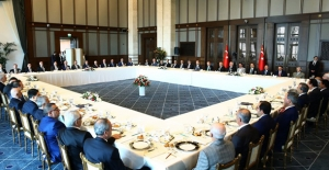 Cumhurbaşkanı Erdoğan, STK Temsilcileri ve Kanaat Önderleriyle Bir Araya Geldi