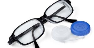 Gözlük Mü Yoksa Lens Mi?