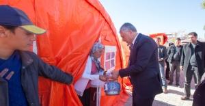 Çadırları Yanan Tarım İşçilerine Başkan Karalar'dan Yardım Eli