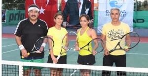 Çağla Büyükakçay Tenis Kortu Çukurova'da Açıldı