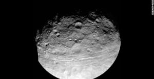 Güneş Sisteminin En Büyük Asteroidi Ceres Suyla Dolu
