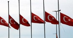 İstanbul'daki Saldırı Nedeniyle Milli Yas İlan Edildi