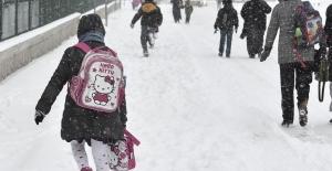 Karlıova'da Okullara Kar Tatili