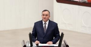 """MHP'li Akçay: """"Öteki-Beriki"""" Demeyecek, Sadece """"Türk Milleti"""" Diyeceğiz"""""""