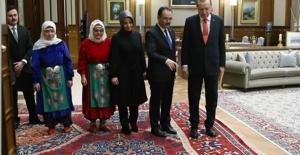 Cumhurbaşkanı Erdoğan, Uşak Heyetini Kabul Etti