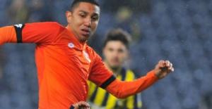 Fenerbahçe Kadıköy'de 2 Puan Bıraktı