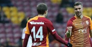Galatasaray'ı Bir Üst Tura  Podolski Taşıdı