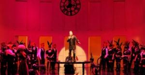 Stravinsky'nin 'Hovardanın Sonu' Operası Süreyya Operası'nda