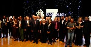 7.Sadri Alışık Anadolu Tiyatro Oyuncu Ödülleri Sahiplerini Buldu