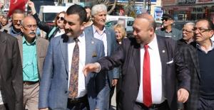 """CHP Milletvekilleri Uşak'ta """"Hayır"""" Çalışması Yaptı"""