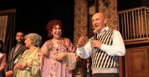 Kartal Belediyesi'nden Suna Keskin Ve Melek Baykal'a Onur Ödülü