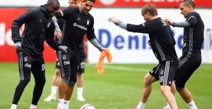Beşiktaş Lyon Maçı Hazırlıklarına Başladı