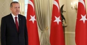 Cumhurbaşkanı Erdağan 23 Yaş Altı Bayan Kılıç Milli Takımını Tebrik Etti