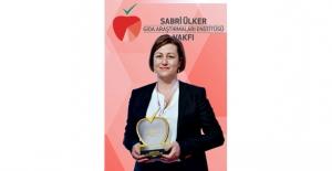 4. Sabri Ülker Bilim Ödülü'nün Sahibi Yrd.Doç.Dr. Ebru Erbay Oldu