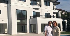 Demet Akalın Acarkent'ten Milyon Dolarlık Villa Satın Aldı