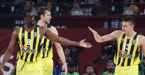 Fenerbahçe Kupanın Ucundan Tuttu