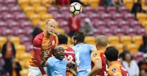 Galatasaray Evinde Zorlanmadı