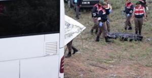 Kalecik'te Feci Kaza: 8 Ölü 11'i Ağır 32 Yaralı