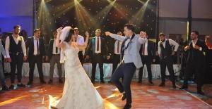 Kıratlı ve Özkol Ailesinin Dillere Destan Düğünü