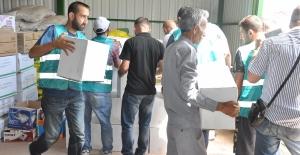 Çukurova'da İhtiyaç Sahipleri Bayrama Mutlu Giriyor