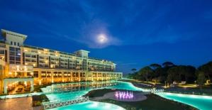 Rixos Hotels'de Sanatçılarla Bayram Coşkusu