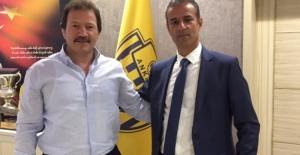 Şampiyon Ankaragücü İsmail Kartal ile Anlaştı