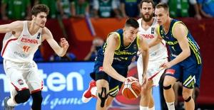 İspanya'yı Farklı Geçen Slovenya İlk Finalist Oldu