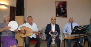 Bakırköy Belediye Başkanı Kerimoğlu Atatürk'ün Sevdiği Şarkıları Söyledi