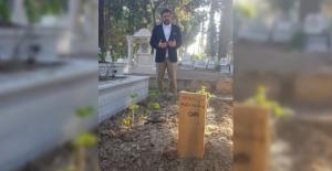 Başkan Hazinedar Efsane TRT Spikerinin Mezarı Ziyaret Etti