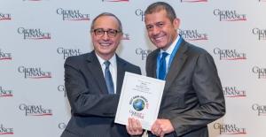"""Global Finance'in """"Türkiye'nin En İyi Bankası Ödülü"""" Akbank'a"""