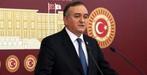 """MHP'li Akçay: """"CHP'nin Karın Ağrısı Artıyor"""""""