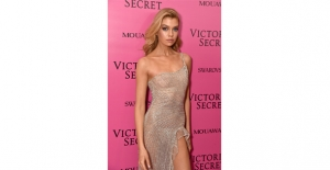 Victoria's Secrte Meleği Stella Maxwell George Hobeıka Elbise İle Görüntülendi!
