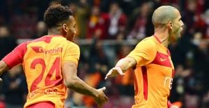 Galatasaray Akhisar'ı İkinci Yarıda Dörtledi