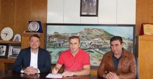 Medcem Silifke Belediyespor, Yılmaz Özlem İle Anlaştı