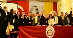 """""""Biz, Galatasaray İçin Varız Bundan Sonra Da Var Olmaya Devam Edeceğiz"""""""