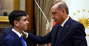 """Cumhurbaşkanı Erdoğan, """"Kudüs Direnişinin"""" Sembolü El-Cüneydi'yi Kabul Etti"""
