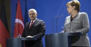 Başbakan Yıldırım: Nato'nun Güney Sınırlarını Emniyet Altında Tutmak Gibi Bir Sorumluluğumuz Var