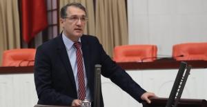 """CHP'li İrgil, """"Yargı Kararı Olmayan Sağlıkçı Neden Atanmıyor?"""""""