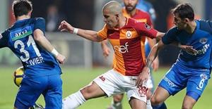 Galatasaray, Kasımpaşa'ya Yenilerek Liderliği Kaptırdı