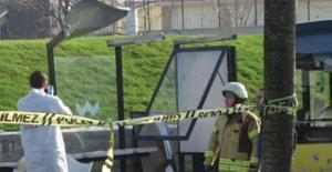 İstanbul'da Otobüs Durağa Girdi: 3 Kişi Hayatını Kaybetti