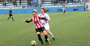 Kadın Futbolunun İki Yenilgisiz Takımı...