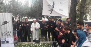 Sadri Alışık Ölümünün 23. Yılında Mezarı Başında Anıldı
