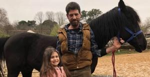 Vizyona Günler Kala Baba Kız At Çiftliğinde Buluştu