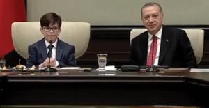 Cumhurbaşkanı Erdoğan Koltuğunu Fatih'e Devretti