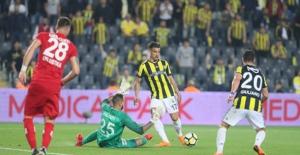 Fenerbahçe Zirve Yarışını Bırakmadı
