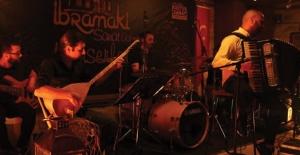 Kuşadası'nda Akordeon Konseri