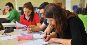 Sınava Girecek Öğrencilerin Eksiklerini Tamamlamak İçin Ne Yapmalı?