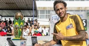 Sokak Futbolu Neymar Jr's Five İle Canlanıyor