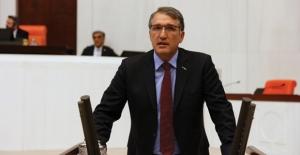 """CHP'li İrgil, """"Erzurum Atatürk Üniversitesi Adına Kavuştu"""""""