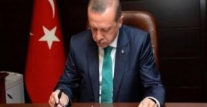 Cumhurbaşkanı Erdoğan AKEV Üniversitesi Rektörü Aktaş'ı Görevinden Aldı